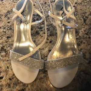 Cream shoes with diamond sparkles